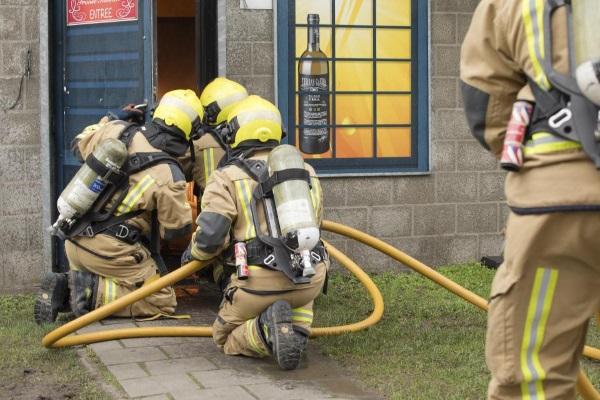 Brandweer aan het oefenen