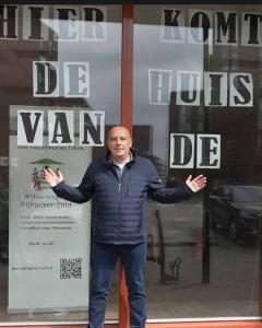 Patrick Huijgen voor de Huiskamer van Keijzershof